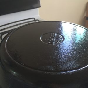 how to clean and season rusted cast iron cookie pans